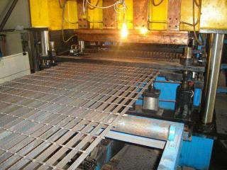压焊钢格板