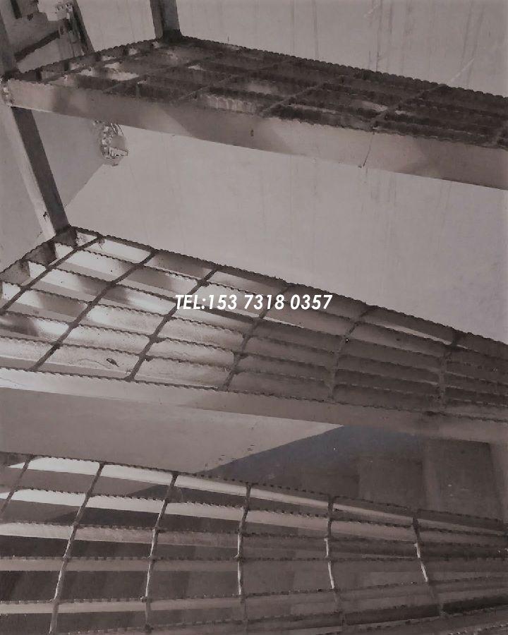 喷漆钢梯踏步板