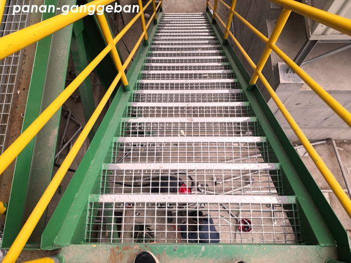 钢梯踏步303