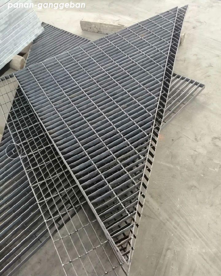 三角钢格栅板